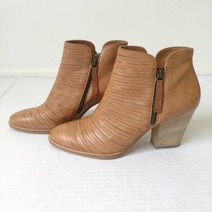 Paul Green Malibu tan ankle boots leather